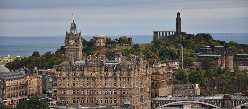 La ville d'Édimbourg en Écosse (illustration).