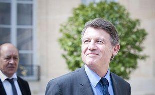 Vincent Peillon à la sortie du conseil des ministres, le 23 mai 2012.