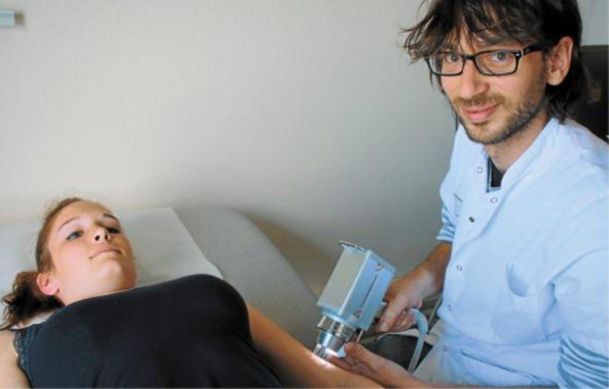 Damien Giacchero exerce au service dermatologie du CHU de Nice. –  A. SELVI / ANP