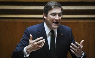 Le Parlement portugais a définitivement adopté mercredi un budget pour 2012 d'une rigueur draconienne, qui doit permettre au gouvernement de réduire les déficits du pays, sous assistance financière, au risque d'aggraver la récession et le mécontentement social.