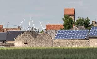 La France pourrait-elle, techniquement, tirer l'essentiel de son électricité des énergies renouvelables à l'horizon 2050 ? Oui, répondent l'Agence internationale de l'énergie (AIE) et le gestionnaire du réseau RTE, mais à de multiples conditions techniques et industrielles.