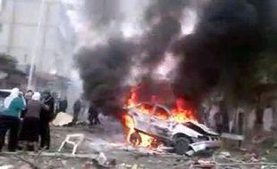 Cinq personnes ont été tuées et des dizaines blessées samedi dans un attentat à la voiture piégée dans le quartier de Qaboun, dans le nord-est de Damas, a rapporté l'Observatoire syrien des droits de l'Homme (OSDH).
