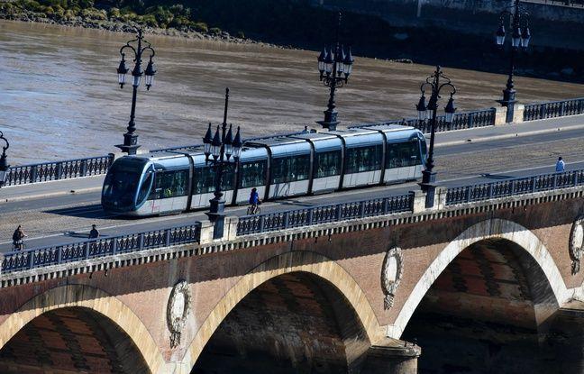 Bordeaux : « Les travaux du pont de pierre ne commenceront pas avant la livraison du pont Simone Veil », assure le maire Nicolas Florian