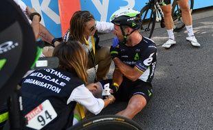 Le coureur britannique Mark Cavendish, blessé lors du sprint final de Vittel pendant la 4e étape du Tour de France le 4 juillet 2017.