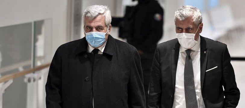 Paris, le 30 novembre 2020. Thierry Herzog, l'avocat historique de Nicolas Sarkozy, arrive au tribunal où il est jugé avec l'ancien chef de l'Etat pour «corruption active» et «trafic d'influence».