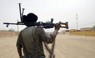 Le leader du groupe islamiste armé touareg Ansar Dine (défenseur de l'Islam), Iyad Ag Ghaly, a pris lundi le contrôle de la ville de Tombouctou (nord-ouest de Mali) et en a chassé les rebelles du Mouvement national de libération de l'Azawad (MNLA), a affirmé un témoin à l'AFP