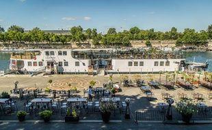 La nouvelle terrasse de la Démesure, deuxième ayant ouvert sur les quais parisiens