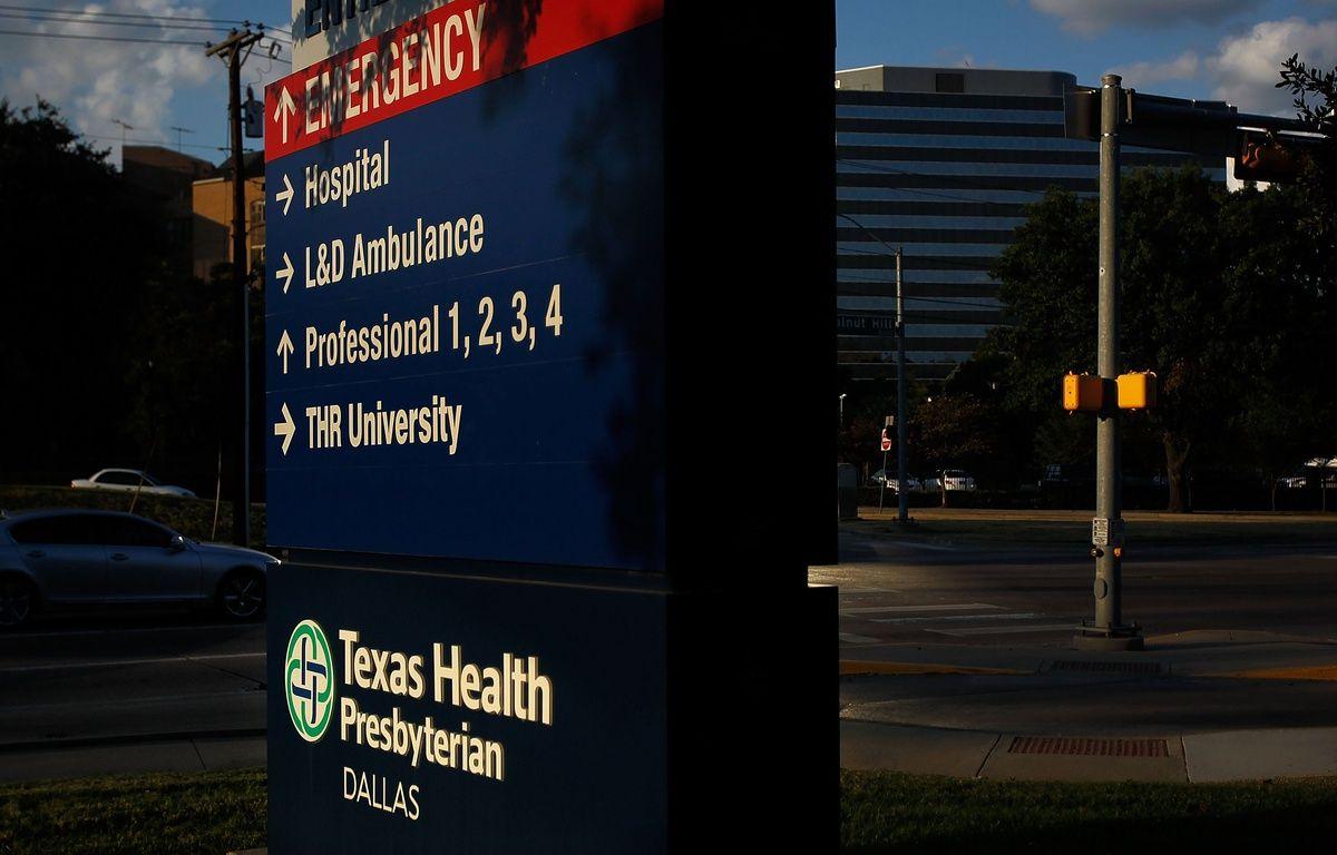 L'entrée de l'hôpital Health de Dallas, au Texas, où un patient atteint d'Ebola a été soigné. – AFP