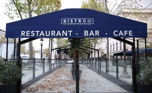 Un restaurant fermé durant le confinement, à Paris le 30 octobre 2020.
