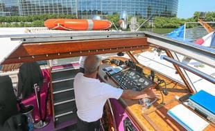 Les bateaux de Batorama naviguent désormais au GTL, un carburant alternatif de transition énergétique. Illustration