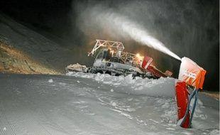 Pour ouvrir ce week-end, les stations alpestres ont fait carburer les canons à neige (archives).