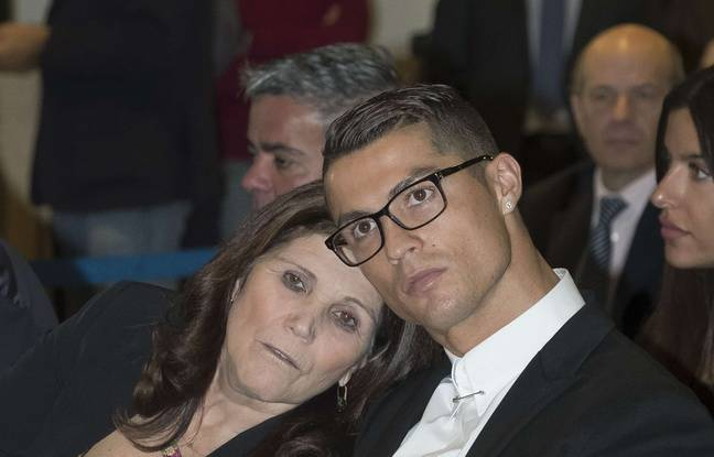 Maria Dolores Aveiro et son fils.