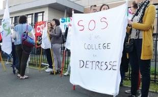 Le collège Albert-Schweitzer de La Bassée était en grève, mardi 22 mai 2018.