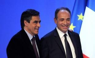 Au surlendemain de la déclaration de candidature de François Fillon à la présidence de l'UMP, l'affrontement entre l'ex-Premier ministre et le secrétaire général du parti, Jean-François Copé, ne s'est pas invité mardi à la réunion du groupe UMP à l'Assemblée nationale.