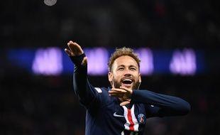 Neymar semble enfin bien dans ses pompes au PSG.