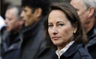 """Ségolène Royal, présidente PS de la Région Poitou-Charentes, a estimé mercredi soir à Décines, banlieue de Lyon, que la réforme des retraites ne constituait pas """"une défaite définitive"""" et était réversible en cas de victoire socialiste à la présidentielle de 2012."""