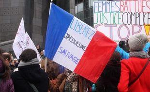 Plusieurs centaines de personnes se sont rassemblees sur la place de la Bastille pour demander la grace presidentielle et liberer Jacqueline Sauvage. Paris, le 23 Janvier 2016.