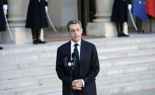 Le président du parti Les Republicains (LR)et ancien chef de l'Etat Nicolas Sarkozy après son entretien avec le président de la République, François Hollande, le 15 novembre 2015 à l'Elysee à Paris.