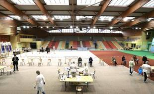 Opération de dépistage massif du Covid-19 dans un gymnase de Vrigne-aux-Bois,près de Charleville-Mezières, dans les Ardennes, le 17 décembre 2020.