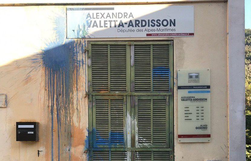 Côte d'Azur: La permanence de la député LREM Alexandra Ardisson recouverte de peinture