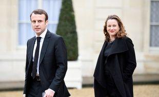 Emmanuel Macron et Axelle Lemaire, le 10 décembre 2014 dans le cour de l'Elysée