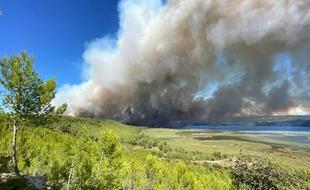 Un important incendie s'est déclaré à Istres