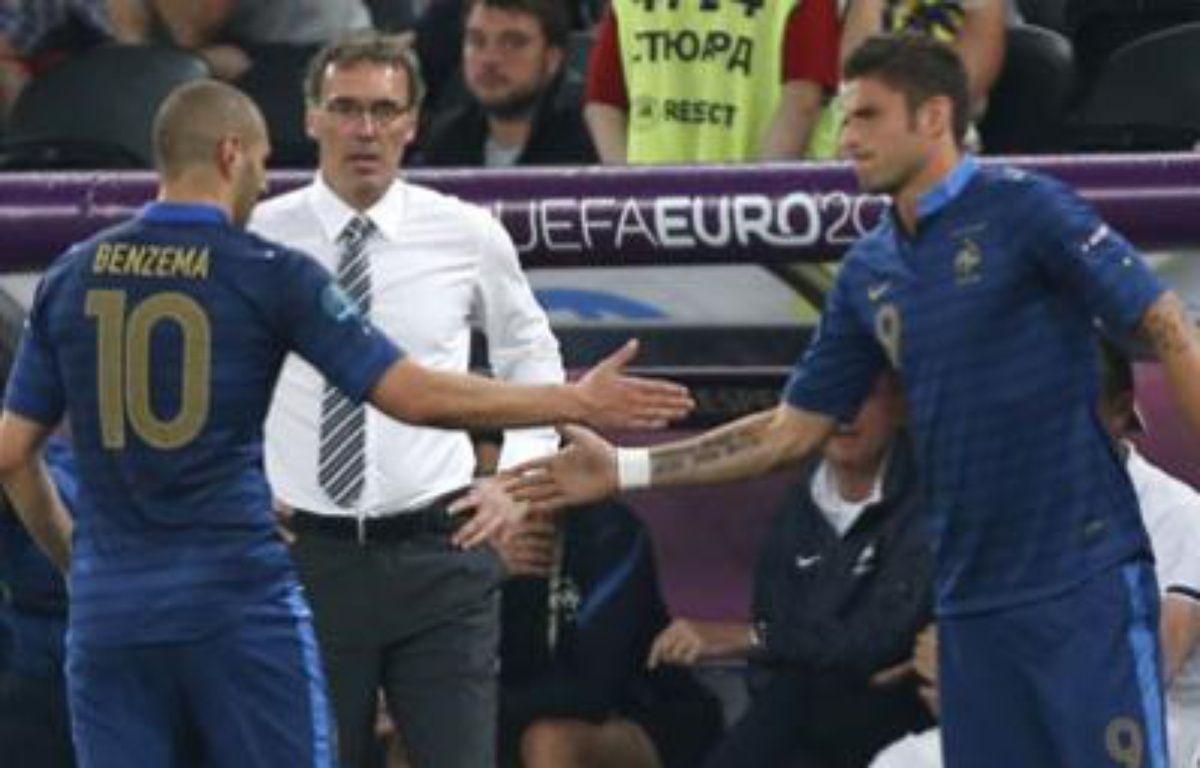 Karim Benzema remplacé Olivier Giroud lors de France-Ukraine, le 15 juin 2012 à Donetsk. – C.Piatau/REUTERS