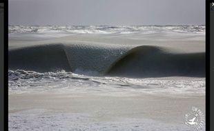 Des vagues gelées dans le Massachusetts