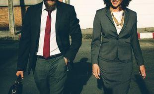 Illustration de salariés homme et femme