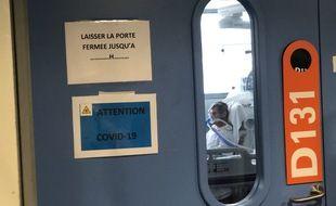 Un patient atteint du Covid-19 en réanimation à l'hôpital civil de Strasbourg.