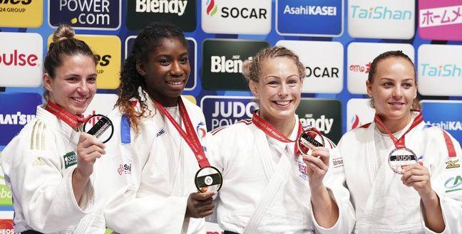 Le 29 août 2019 à Tokyo, Marie-Eve Gahié avait été sacrée championne du monde, Margaux Pinot (à droite) avait fini en bronze.