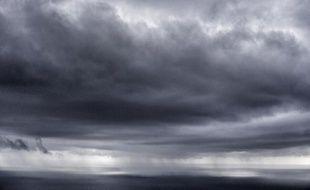 """Le Gard, les Bouches-du-Rhône, le Var et les Alpes-Maritimes ont été placés en vigilance orange """"orages et pluie""""."""
