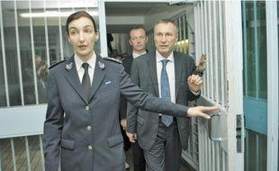 Jean-Marie Bockel et la directrice de la maison d'arrêt, Bénédicte Brunelle, hier.