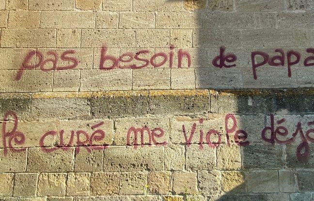 Ce message injurieux a été découvert ce dimanche, sur l'église Sainte-Croix à Bordeaux.