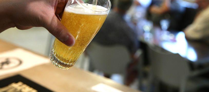 A Lyon, les bars sont toujours autorisés à ouvrir aux mêmes horaires malgré un durcissement des mesures sanitaires.