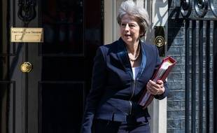 Theresa May devant le 10, Downing Street, le 23 mai 2018.
