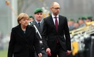Le Premier ministre ukrainien Arseni Iatseniouk à Berlin en compagnie d'Angela Merkel, le jeudi 8 janvier 2015