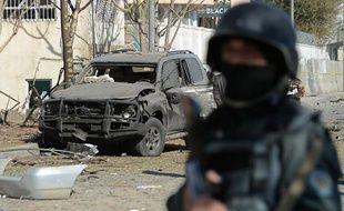 Un policier afghan à Kaboul après un attentat suicide. Illustration
