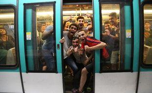 Dans le métro français, c'était la folie.