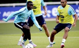 Ntep (à gauche) a joué son premier match avec les Bleus en juin dernier.