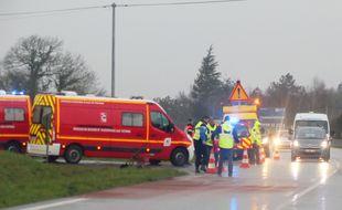 Des pompiers en intervention sur un accident de la route, ici près de Rennes en 2017.