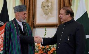 """Le Premier ministre pakistanais Nawaz Sharif s'est engagé samedi à Kaboul à apporter """"toute l'aide possible"""" de son pays pour tenter de relancer les pourparlers de paix avec la rébellion talibane en Afghanistan et """"briser le cycle de destruction""""."""