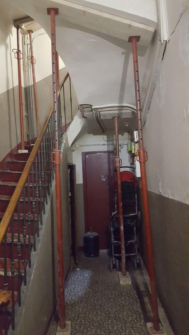 L'état lamentable dans lequel se trouve la cage d'escalier du 91 boulevard de Strasbourg.