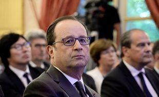 François Hollande et Jean-Christophe Cambadélis à Paris, le 6 octobre 2016.