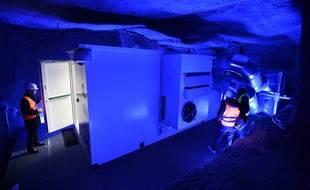 Un datacenter démonstrateur a été installé par le consortium Deepdata dans une galerie souterraine près de Saumur.
