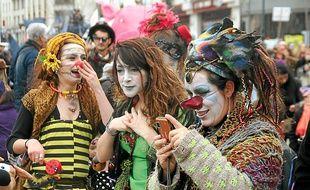 Environ un millier de personnes était déguisé mardi dans les rues.