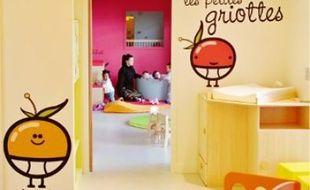 La crèche accueille les enfants à partir de 10 semaines et jusqu'à 4 ans.