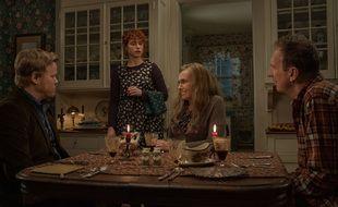 (De g. à dr.) Jesse Plemons, Jessie Buckley, Toni Collette et David Thewlis dans le film Je veux juste en finir.