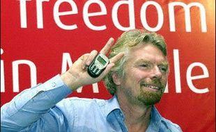 """L'opérateur britannique de téléphonie mobile Virgin Mobile a annoncé lundi son lancement en France comme opérateur virtuel (MVNO), avec l'ambition de devenir """"le quatrième opérateur mobile"""" français, après les trois principaux Orange, SFR et Bouygues Telecom."""