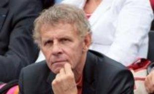 La journaliste Laurence Ferrari remplacera Patrick Poivre d'Arvor à la présentation du journal télévisé de 20 heures sur TF1 à la rentrée, affirme dimanche la radio RTL, une information que la chaîne de télévision a refusé de commenter.